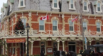 5-Day Canada East, Montreal, Ottawa, Toronto, Niagara Falls and Niagara-on-the-lake Tour from Montreal