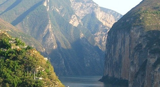 5-Day Discover Yangtze River & Three Gorges with M.S. YANGTZE 2 Upstream Cruise from Yichang Tour