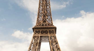 Dinner at the Eiffel Tower with Skip-the-Line Access and Seine River Cruise in Paris