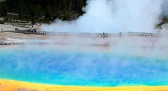 6-Day Yellowstone Bus Tour from Vancouver